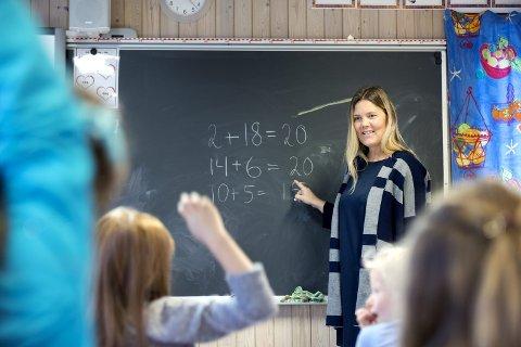 Allerede i dag jobber over 10 prosent av lærerne i midlertidige stillinger. Når kommunene nå skal ansette 3.000 ekstra lærere, kan dette tallet skyte i været.