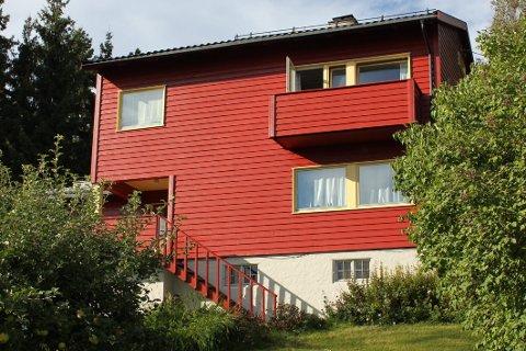 Med blankt eller matt avgjør du også om huset skal «stråle» som nymalt.