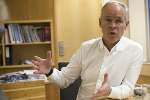 Bedre: Denne ordningen gir bedre tilgang på gratis wifi-soner i kommunene, sier statsråd Jan Tore Sanner. Foto: NTB scanpix