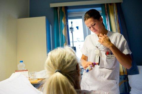 I kommunene er det i snitt 48 prosent av sykepleierstillingene som lyses ut som er heltidsstillinger, mens snittet i sykehus er på 50 prosent, viser nye tall.