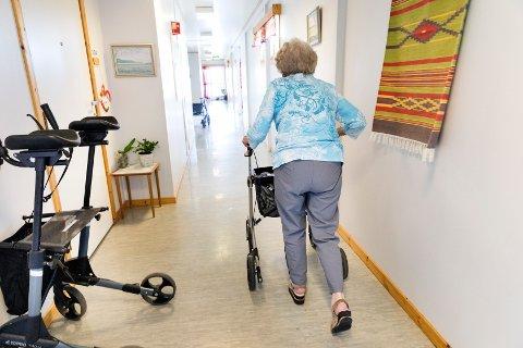 42 prosent mener sykehjem som drives av kommunene er best for pasienter og pårørende, ifølge årets helsepolitiske barometer fra Kantar TNS.