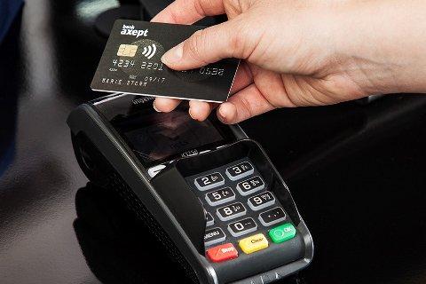I løpet av 17. mai-feiringen var det småbeløpene fra 50 til 100 kroner som utgjorde den største veksten for kontaktløs betaling.