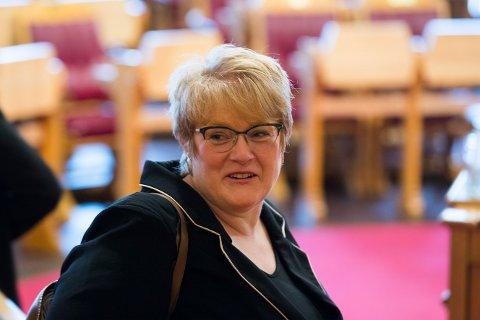 – Endelig får vi regler for å plassere folk på glattcelle som er i tråd med internasjonale menneskerettigheter, sier Venstre-leder og kulturminister Trine Skei Grande.