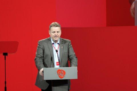 Vi må være forberedt på mer ekstremvær, men regjeringen sover i timen, mener Aps Runar Sjåstad.
