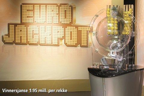 Det er gigantiske 591 millioner i førstepremie i Eurojackpot-potten.
