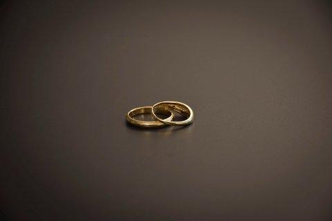 Illustrasjon: I Østfold er det en tendens at man legger bort gifteringene.