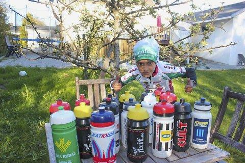 NY REKORD: Amir Tawfiq samlet 18 sykkelflasker etter Tour of Norway på onsdag. Nå har han 33 sykkelflasker.
