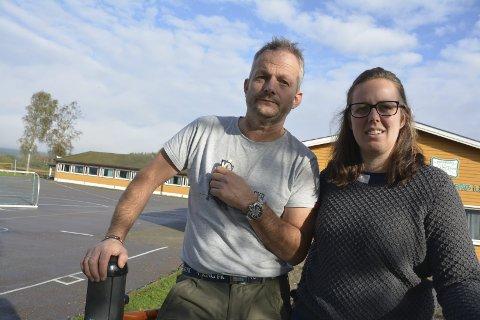 Oppgitte lærere: Ola Skadsheim og Line Sæves har håpløse arbeidsforhold ved Kirkefjerdingen skole.