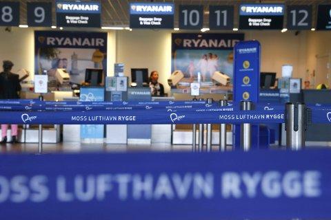 Snart siste flight: Mye tyder på at den siste kommersielle flygingen fra Rygge sivile lufthavn går 1. november. Men fortsatt er det mulig at flyseteavgiften skrotes eller at Ryanair ombestemmer seg. Foto: Vidar Ruud / NTB scanpix