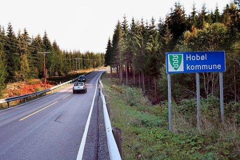 FIKSES: Fylkesvei 120 mellom kommunegrensa fra Våler mot Hobøl vil ha redusert framkommelighet fra og med 1. august. Arkivfoto