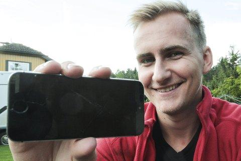 SAMFUNNSNYTTE: Lasse André Fløien har sammen med medstudenter utviklet en mobbe-app, et hjelpemiddel utsatte kan ty til når situasjonen krever det.
