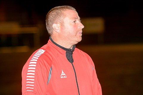 FORNØYD: Mysen-trener Raymond Kvisvik var alt i alt fornøyd med 5-0-seieren og Kambo, selv om det også var ting som ikke var bra.