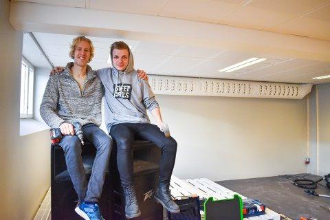 GLEDER SEG: Vegard Brandt Slevigen (28) og Eiliv Sagrusten (22) åpner Ungdommens Kulturhus 1. februar.