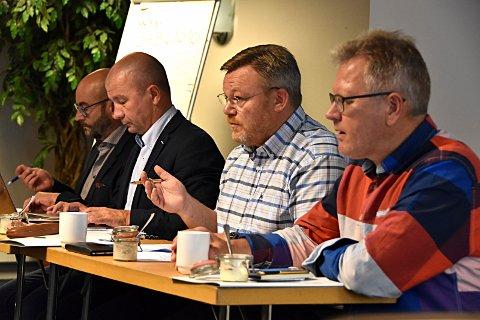 GØY: Ordførere og politikere i nye Indre Østfold kommune går mulighetenes tid i møte.