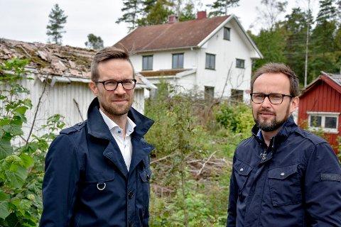Megler-gründere: Anders Borgen t.v og Vetle Just Kvammen i Attentus eier firmaet. De tjente mest av  meglerne i Indre Østfold i fjor.  Just Kvammen tjente mest med nærmere 2,5 millioner kroner. Han solgte 159 boliger i fjor.
