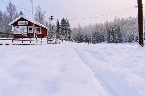 SESONGEN I GANG: Slik så det ut på Myrberg tirsdag ettermiddag. De aller ivrigste skiløperne har allerede startet skisesongen.