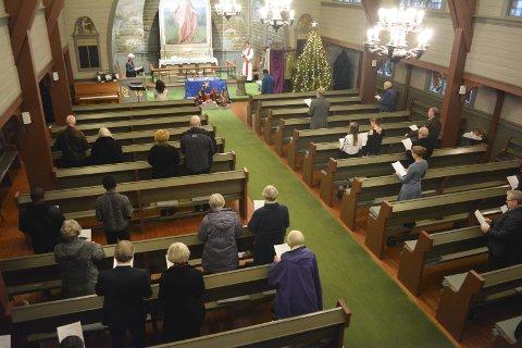 Sang på flere språk: Den internasjonale gudstjenesten hadde innslag av både norsk og engelsk.