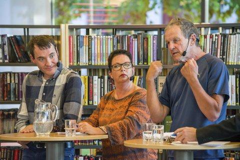 Reagerer: Ap's Janne Mustorp Ultvedt, Sp's Per Inge Bjerknes og Svs Sein Syversen (t.h) reagerer på ordførerens reklamestunt. arkivfoto