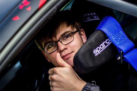 OPTIMIST: Spydeberg-gutten Oscar Solberg er sikker på at det blir rallykjøring i 2018, men hva og hvor er han fortsatt usikker på.
