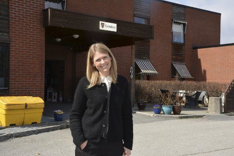 God dekning: Konstituert enhetsleder Gerd Anette Simonsen (43) ved Grinitun Pleie og Omsorg har god sykepleierdekning. Hun har også sykepleiere som står i kø i påvente av ledige stillinger.