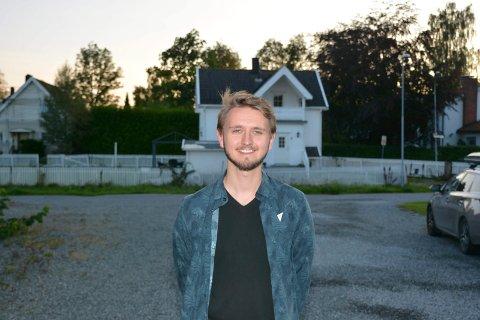 VIL PÅ TINGET: Øvstegård er deltidsansatt i NSB og student, han tar statsvitenskap leser for tiden idehistorie.