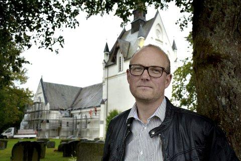 Ole Andre Myhrvold (Sp) flagget for tre år siden sin kamp for et kirkeløft i Indre Østfold.