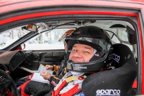 Henning Solberg (45) som alltid blid bak rattet. Han storkoste seg sammen med kartleser Cato Menkerud i Sigdalsrally.