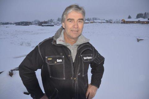 Takterrasse: På området bak entreprenør Geir Moen planlegges 40 nye boliger. De første kan bli innflyttingsklare i 2019. Noen av disse får takterrasser.