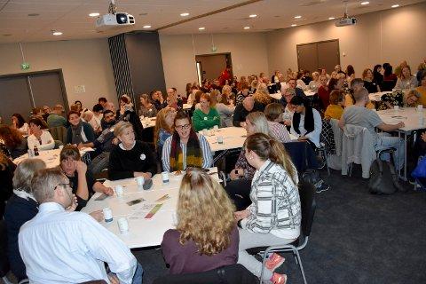 Populært: 120 ulike fagfolk fikk plass i konferansesaen på Brennemoen hotell. Flere sto på venteliste for å komme med.