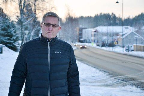 ROLIG: Ordfører Svein Olav Agnalt (Ap) føler seg sikker på at alt vil være på stell innen fristen.