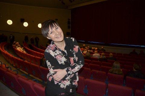 Anneli Sollie er produsent i Østfold Internasjonale Teater. Hun anbefaler filmen på det varmeste.