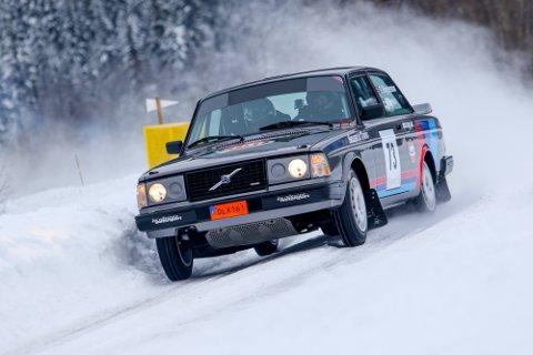 Thomas Bryntesson kjøpte seg en Volvo i nasjonal klasse før denne rallysesongen. Det har gitt verdifulle mil med kjøretrening