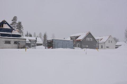 BYGGEFORBUD: Eidsberg kommune har nedlagt byggeforbud for boligene innerst i Peter Slotsvigsvei på Slitu.