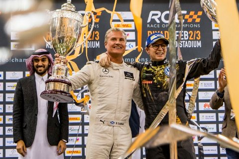 David Coulthard og Petter Solberg under premieutdelingen i forbindelse med Race of Champions i Saudi-Arabia.