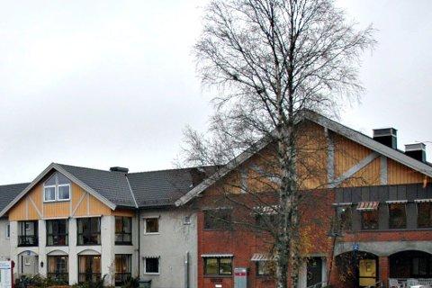 Munnbind: Ansatte som jobber på omsorgsboligene ved Trøgstadheimen må også bruke munnbind- Fra før  av gjelder påbudet ansatte på sykehjemmene i Indre Østfoldkommune.