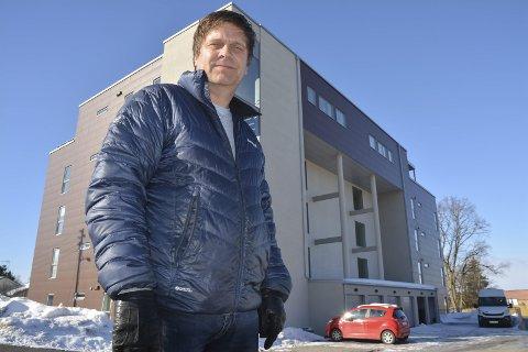 Solgt raskt: Tom Kolberg i Mako-Invest forteller at alle de 19 leilighetene i blokken i Volleneveien 2 var solgt et år før den var ferdig bygd.