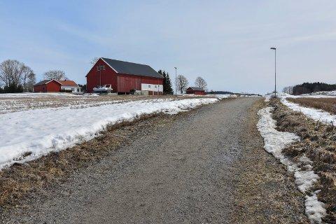 Oppgraderes: Den gamle sykkelstien ved Authenveien i Askim til fylkesveien 115 langs Ringnesdalen.