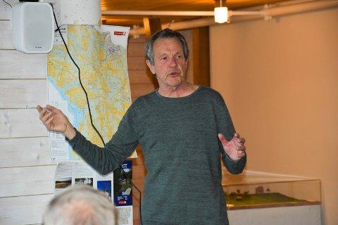 Foredrag: Svein Syversen holdt foredrag om de ulike stedene i Eidsberg vest. - Her er det mye middelalder, kommenterte han.
