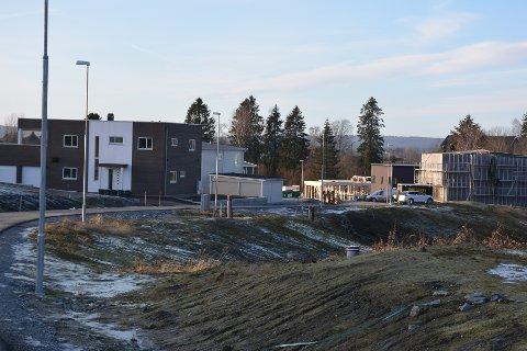 BOLIGER: Boligprisene steg med 6,9 prosent i Askim siste 12 mnd melder Eiendom Norge. Bildet er fra utbyggingen i Løkenskogen i Askim.