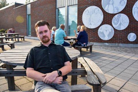 Ulike roller: Anders Nerdrum Jensen (MDG) har ulike roller, som lokalpolitiker i bystyret i Askim, statist, miljøarbeider og til høsten blir han student.