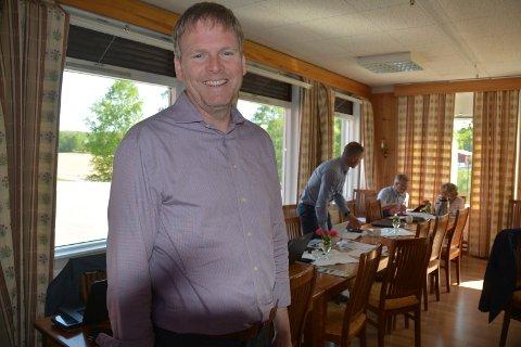 Prosjektleder/rådmann Georg Smedhus kan nå starte arbeidet med å sette sammen en ledergruppe i Indre Østfold kommune.