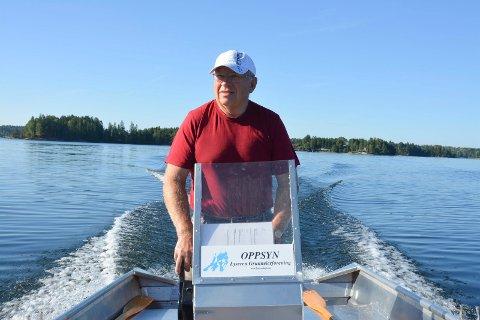 Oppsynsmann Thorleif Wennevold (73) har rundt 300 timer i båt på Lyseren hver sommer.