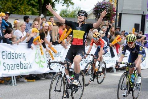FJORÅRETS VINNER: Jolien Wiggle D'Hoore fra Team High5 vant fjorårets etappe i Indre Østfold i Ladies Tour of Norway. Fredag er hun og resten av verdenseliten tilbake i Indre Østfold.