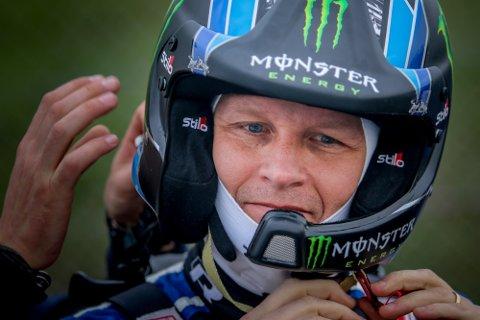 KLAR: Petter Solberg kjører siste VM-runde i rallycross denne helgen i Sør-Afrika. Med maks flaks kan han sikre seg VM-medalje, men det avhenger av både hva konkurrentene gjør og hva han selv presterer.