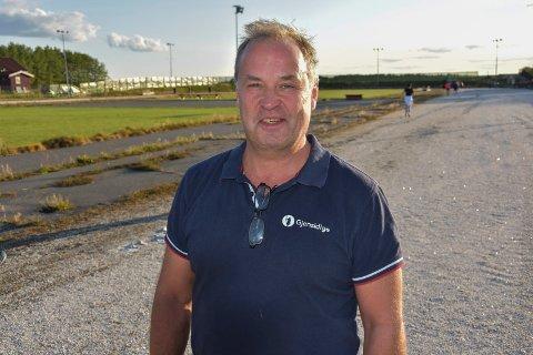 På skøyte-karet: - I mange år har vi drømt om å få skøytebanen i Båstad under tak, sier leder og trener for Båstad IL skøyter, Finn Lunde.