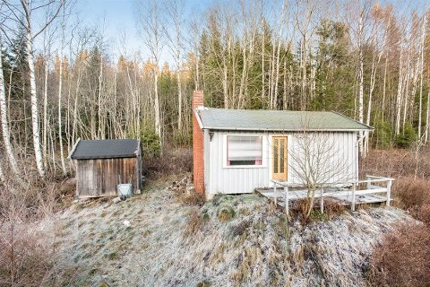 """Denne hytta er én av få som står igjen etter """"januarsalget"""". Nå er det ekstremt få hytter på bruktmarkedet i Indre Østfold."""