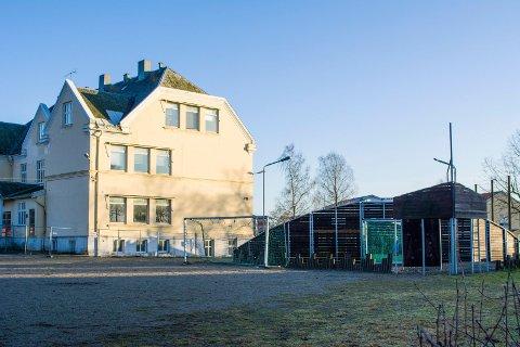 Ball-løkke: Nå skal frivillige kontrollere at ikke for mange barn og unge samtidig oppholder seg på denne ball-løkka ved Askimbyen skole.