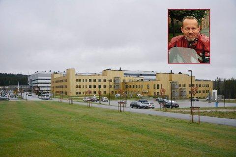Diskusjonen om hva man skal betale for parkering på Sykehuset Østfold Kalnes har blusset opp i høst. ARKIVFOTO Glenn Thomas Nilsen/Gerd Inger Ericson