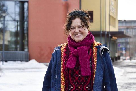 VIL HA MED FLERE PÅ LAG: Leder av Askim Kulturforum, Rosa da Silva, håper mange vil bli med på årets julespill.