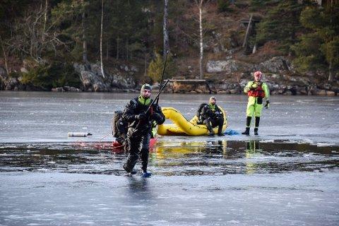 I romjula 2016 gikk en mann gjennom isen på Lyseren og utløste en stor leteaksjon. Lokalt brannvesen ber nå folk på isen om å være forsiktige.